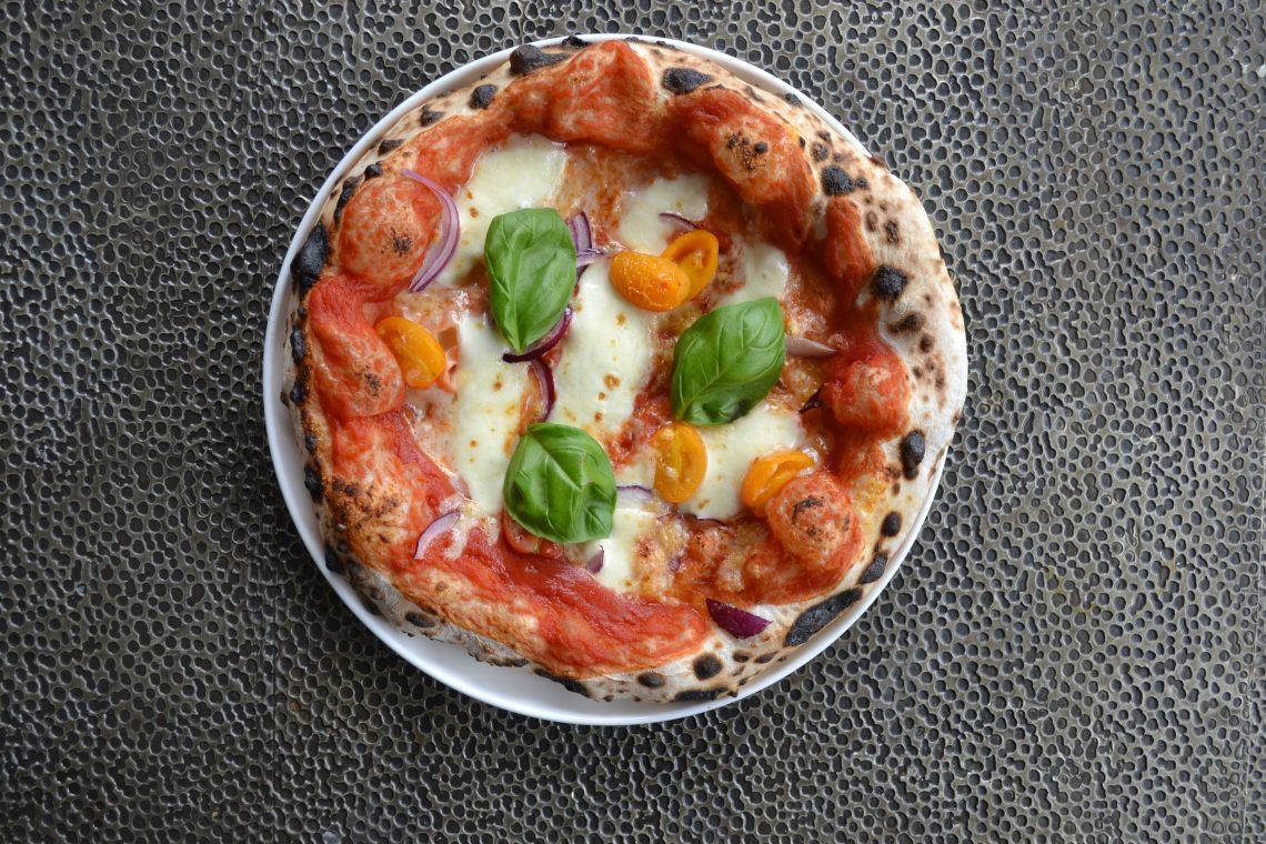 Zuurdesem pizza, bovenaanzicht